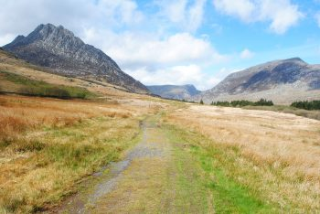 Low level path by Tryfan - Snowdonia Way