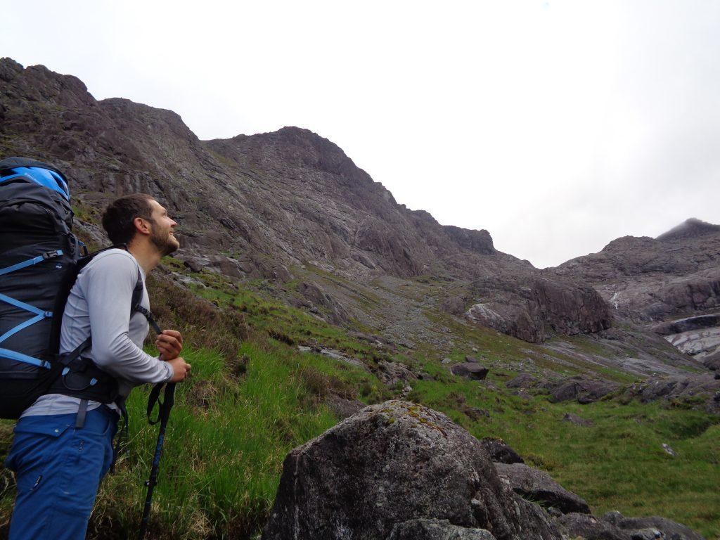 Person looking into Coire Ghrunnda, Cuillin, Skye